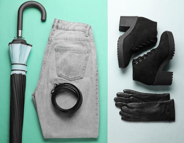Модная женская сезонная одежда и аксессуары на бумажном фоне. вид сверху, минимализм