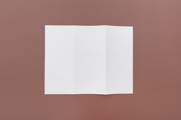 パンフレットの三つ折りコンセプト