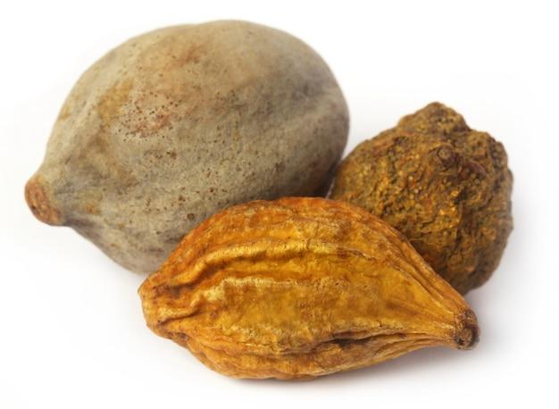 Трифала, сочетание аюрведических фруктов, индийского субконтинента.