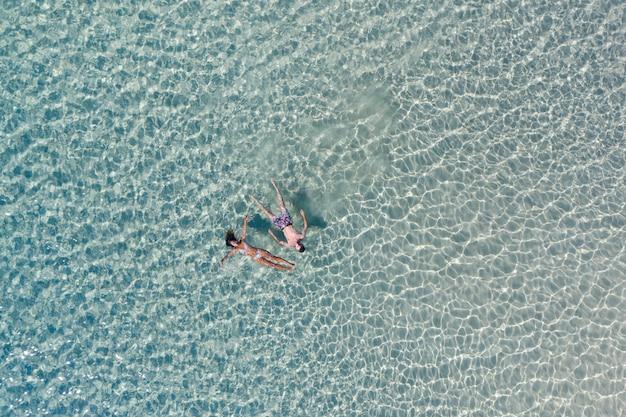 エルニド、パラワン、フィリピンの熱帯のビーチ
