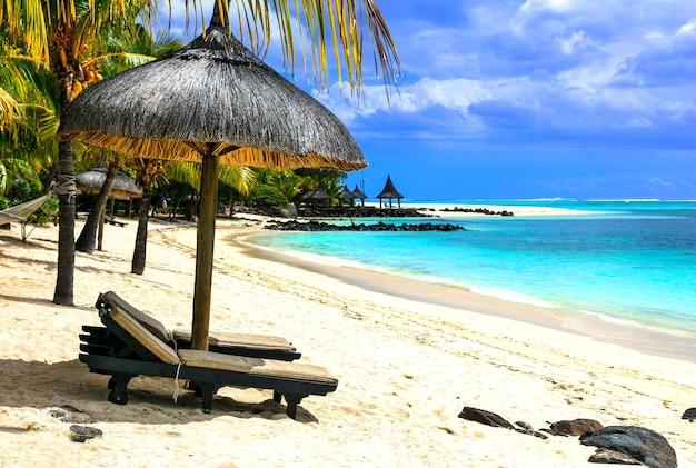 熱帯の寒さ-モーリシャス島の穏やかなビーチ