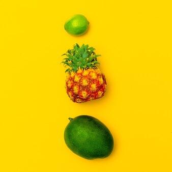 トロピカルフルーツミックス。新鮮な健康の概念