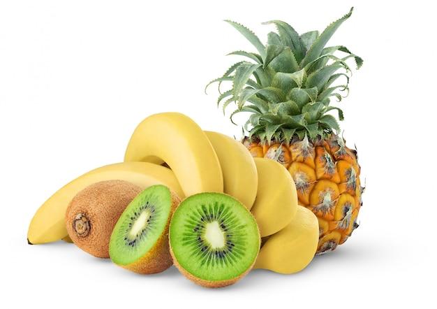 白い背景で隔離のトロピカルフルーツ(パイナップル、バナナ、キウイ)