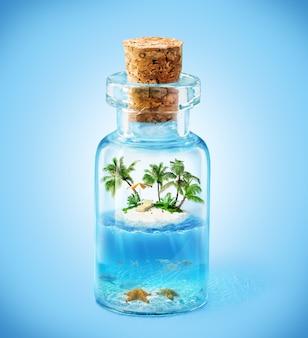ボトルに入った熱帯の島と水中の世界