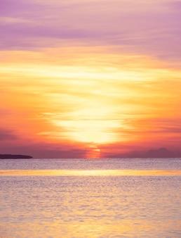 구름 하늘 아래 태양 열 대 바다 일출