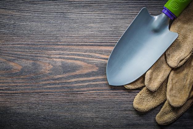 木の板に革安全手袋のこてペア