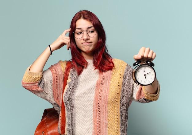 알람 시계와 함께 tty 학생 여자
