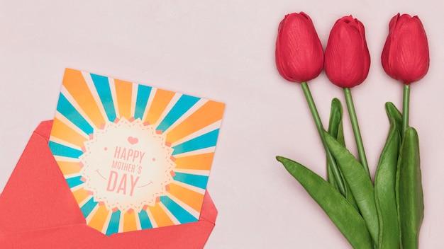 Тюльпаны на день матери с открыткой