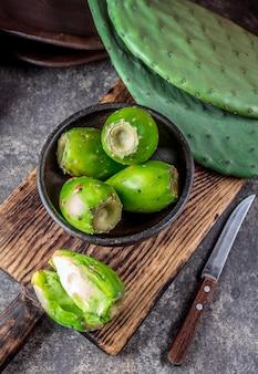 Tuna cactus fruit, prickly pear, cactus pear.