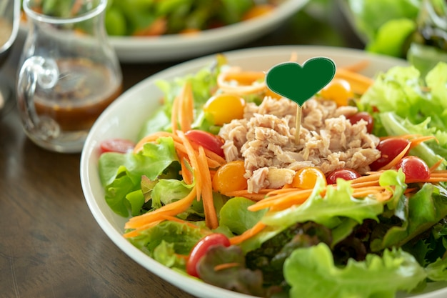 Tuna salad, health food lovers are popular in working age