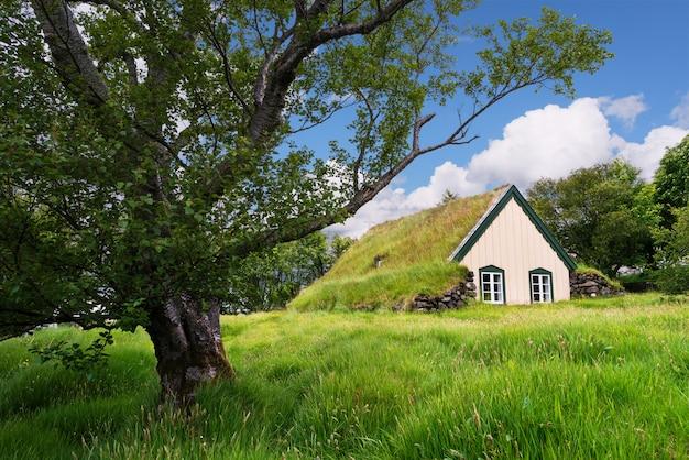 ターフ教会ホフスキルカ、アイスランド