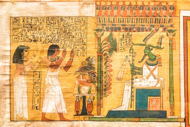 Турин, италия - около мая 2021 года: древнеегипетский папирус с иероглифическим погребальным текстом. около 1550 г. до н.э. античный манускрипт.