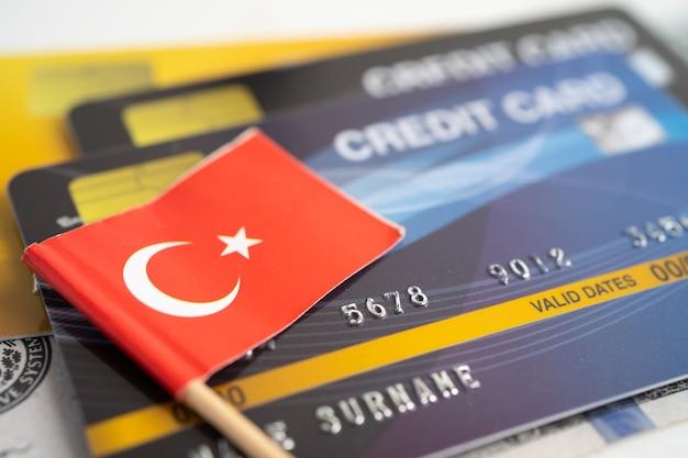 신용 카드에 터키 국기 금융 개발 은행 계좌 통계