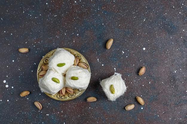 Filo interdentale turco halva pishmanie, zucchero filato dessert.