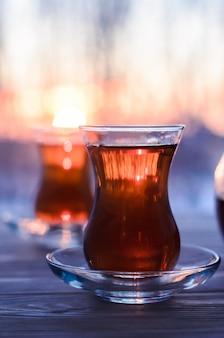 Турецкий чай с оригинальной стеклянной чашкой