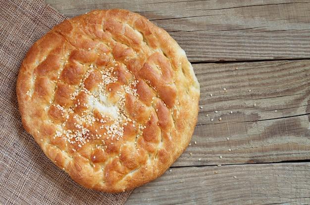 Традиционный турецкий белый хлеб