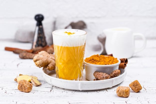 スパイスとウコンのゴールデンミルク