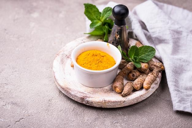Turmeric powder and curcuma root