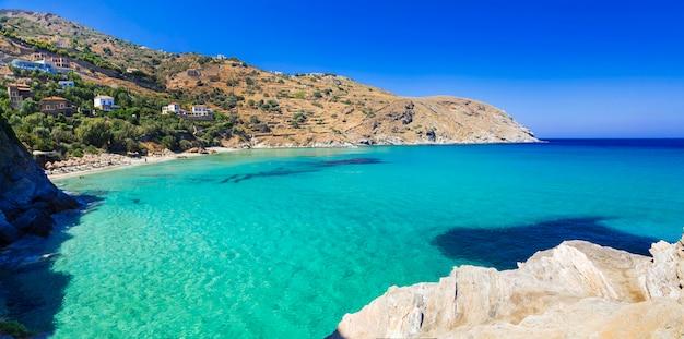 ギリシャのターコイズブルーの美しいビーチ