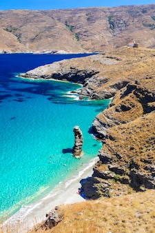 청록색 바다와 그리스의 아름다운 해변