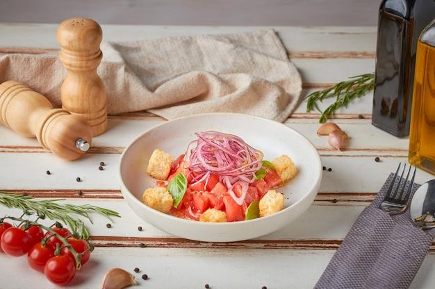 トスカーナサラダ、木製ホワイト