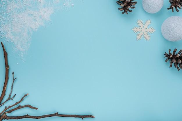 Веточки, коряги и снежинки
