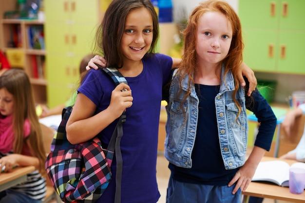 Due migliori amici dal banco di scuola