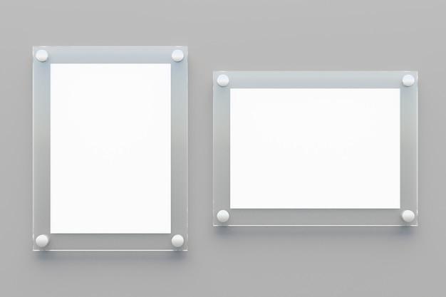 회색 배경에 흰색 종이가 있는 두 개의 빈 투명 아크릴 보드. 3d 렌더링 그림