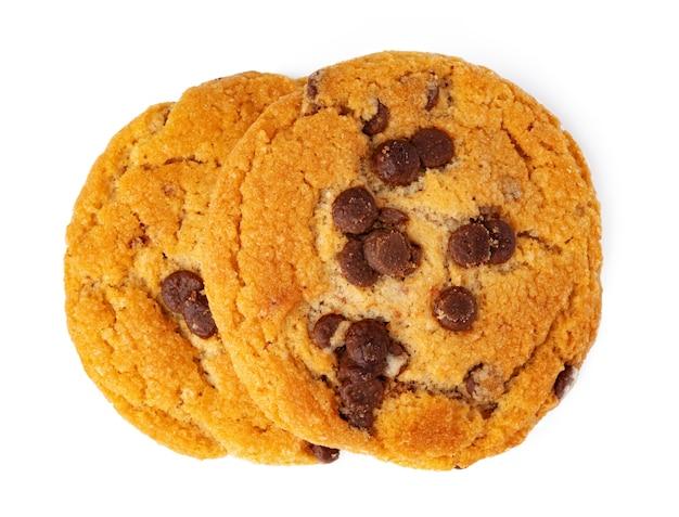 白で隔離される2つのチョコレートチップクッキー