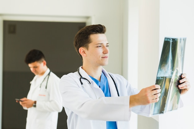 Two doctors in lab