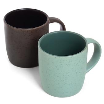 화이트에 두 개의 빈 세라믹 머그컵