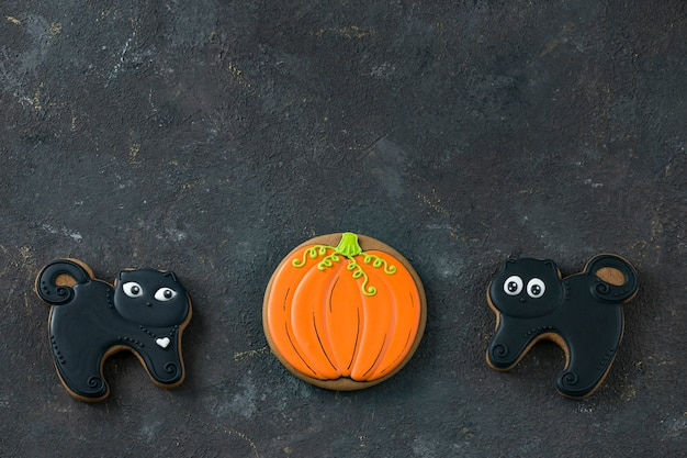 Two gingerbreads black cats handmade and pumpkin