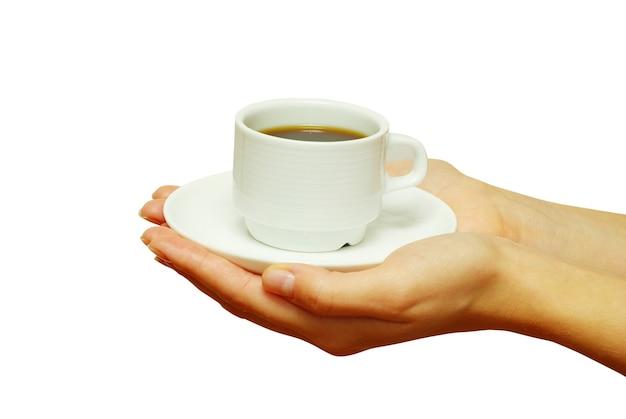 신선한 커피 한 잔을 들고 두 손입니다.