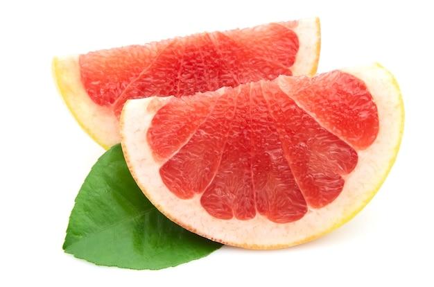 Две доли грейпфрута