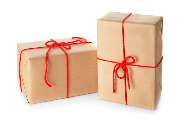 白の2つの小包ギフトボックス