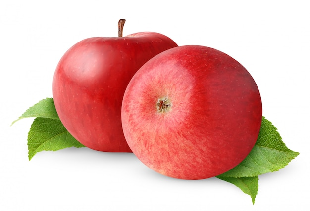 2 красных яблока с изолированными листьями