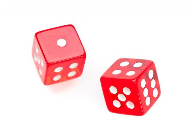 Движение двух красных кубиков