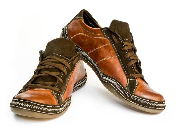 白い背景の上の2つの靴