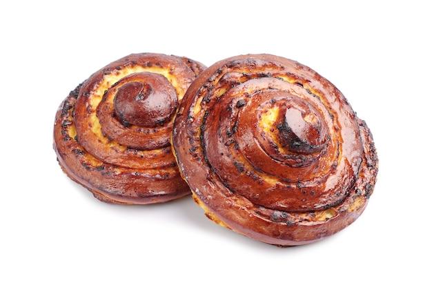 흰색 바탕에 두 개의 달콤한 빵