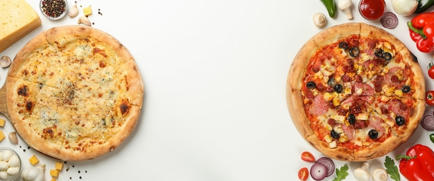 Две вкусные пиццы и ингредиенты