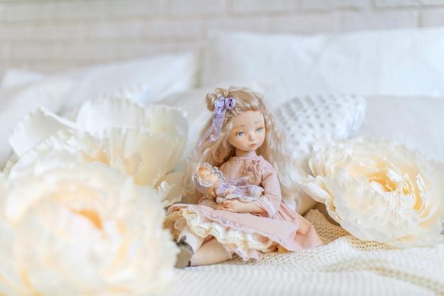 Две текстильные куклы, дизайнерские куклы.