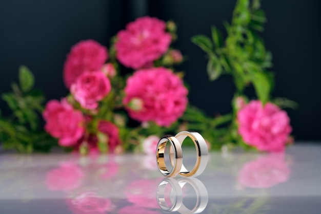 투톤 로즈 골드 및 화이트 골드 결혼 반지