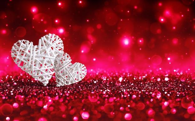 赤い輝きの2つのtwo心
