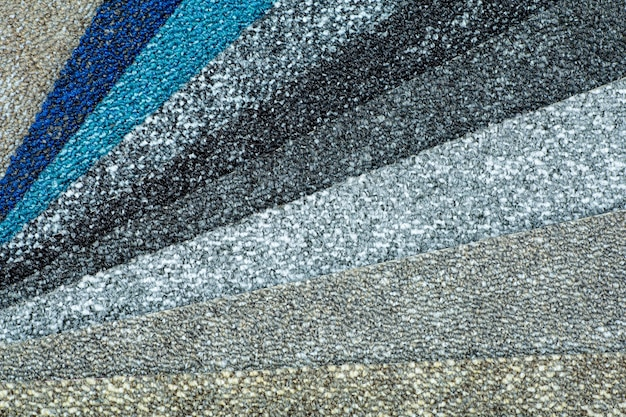 다양한 색상의 카펫 유형 및 샘플. 객실, 아파트 및 주택용 카펫.