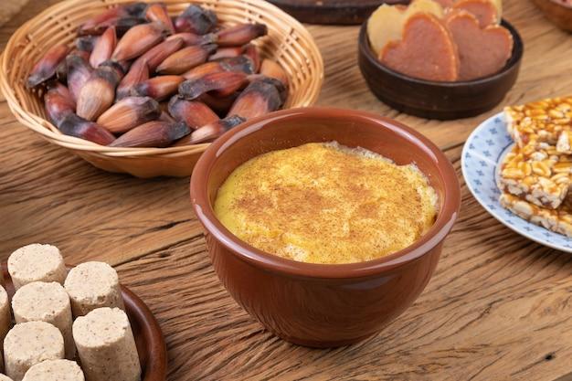 典型的なブラジルの6月のお祭りの食べ物。フェスタジュニーナ