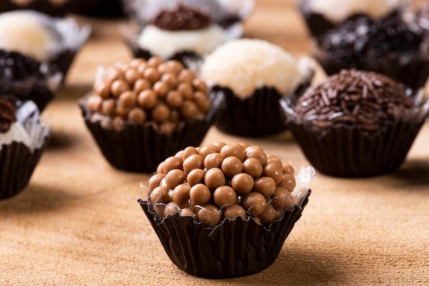 ブリガデイロと呼ばれる典型的なブラジルの甘いもの。