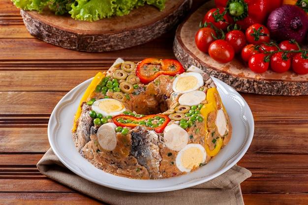 Cuscuz paulista라는 브라질 요리의 전형적인 요리