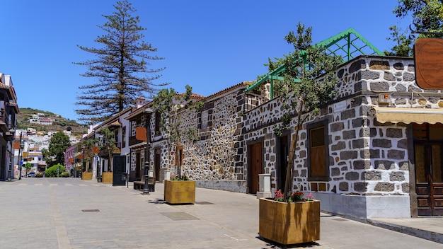 그란 카나리아의 카나리아 섬에있는 매력적인 마을 테로의 전형적인 거리. 스페인.