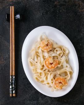 Udon noodles with shrimps
