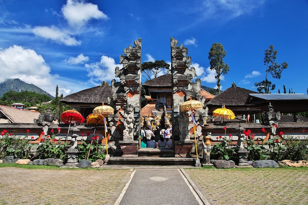 インドネシア、バリ島のウルンダヌブラタン寺院